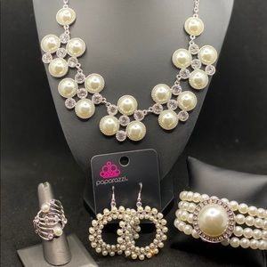 Pearl and crystal set